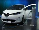 Zukunftsforscher fährt Elektroauto Renault ZOE