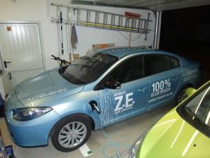 Renault Fluence Z.E. lädt in der Garage (Quelle: zoe-elektrisierend.de)